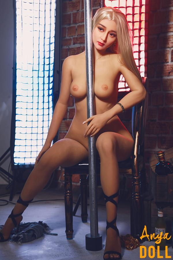 163cm Lap Dancer Small Boobs Chinese Love Doll Ella