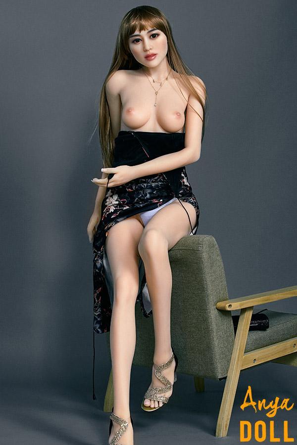 165cm Small Tits Mature Love Doll Vanessa