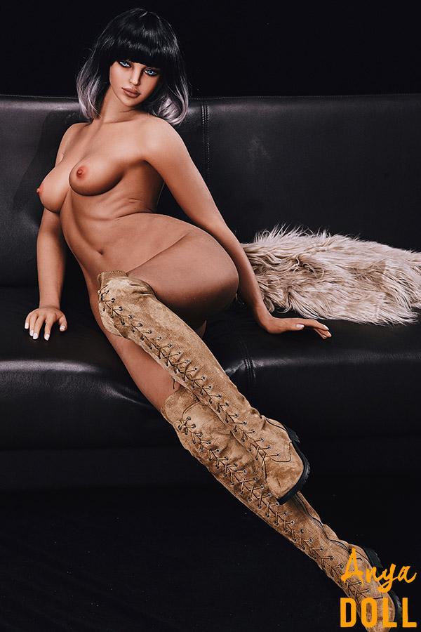 168cm Sex Doll Small Tit Elegant Karena
